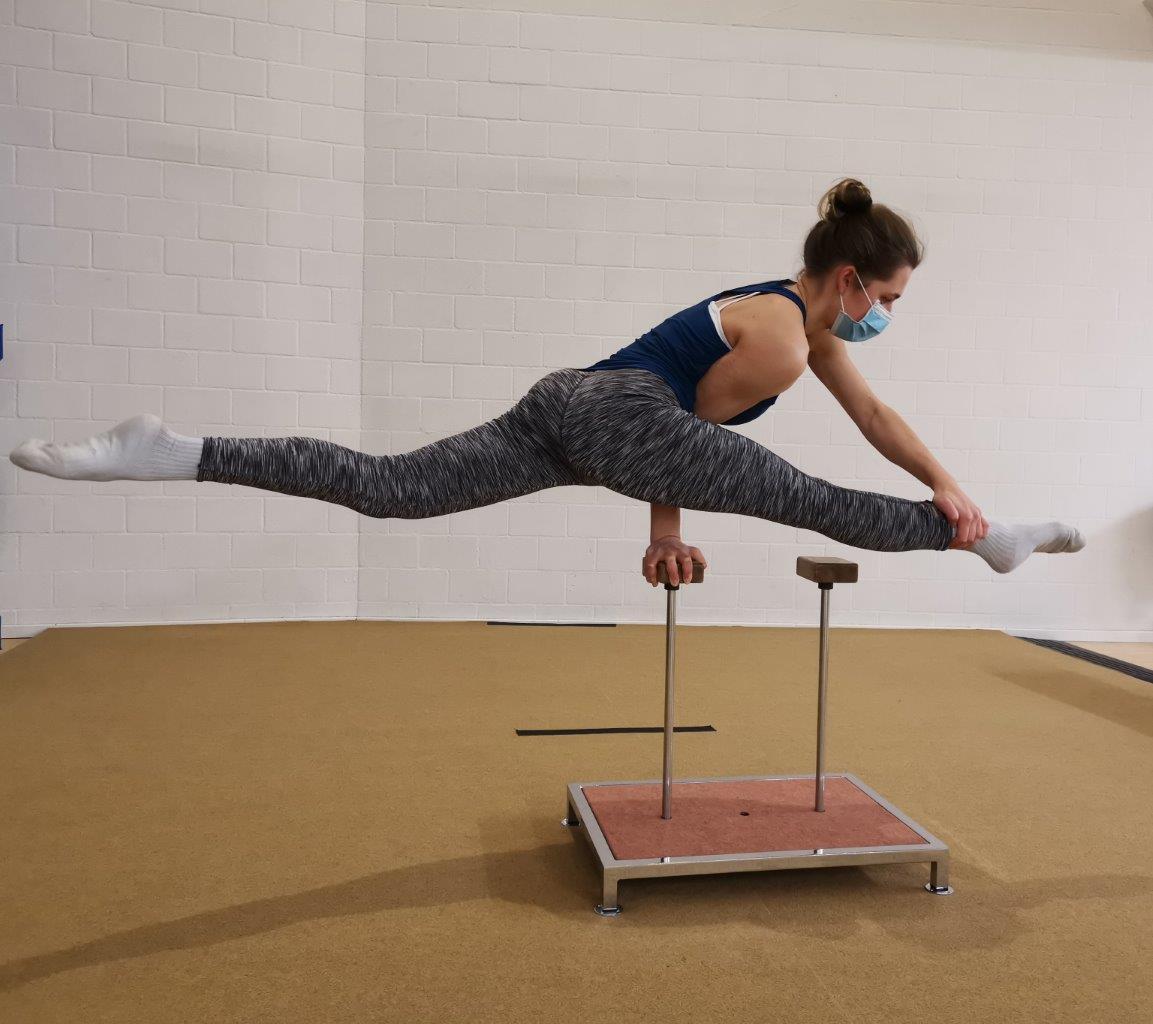 akrobatik.ch KLG, Spagat-Waage Handstand, Dietlikon Zürich