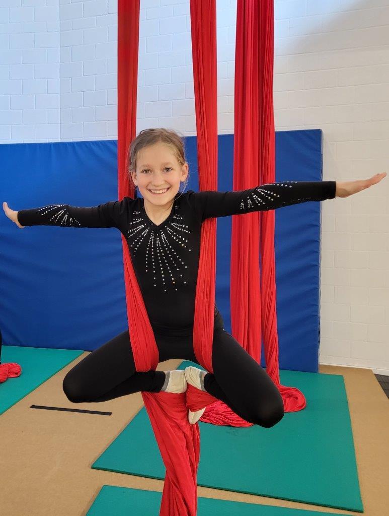 Kinderzirkus Kinderakrobatik Ferienkurs akrobatik.ch KLG, Dietlikon Zürich